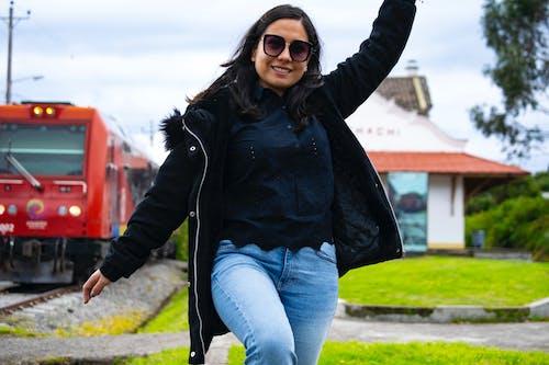 Foto d'estoc gratuïta de felicitat, ferri, ferrocarril, gent