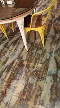 Desktop background of wood, restaurant, glass, table