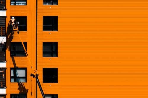 bakım, bina, Çalışmak, camlar içeren Ücretsiz stok fotoğraf