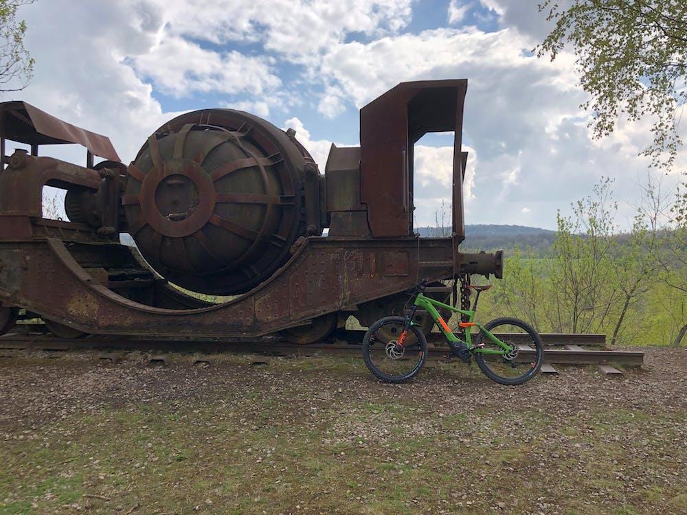 Free stock photo of mountainbike, museum, steel railing