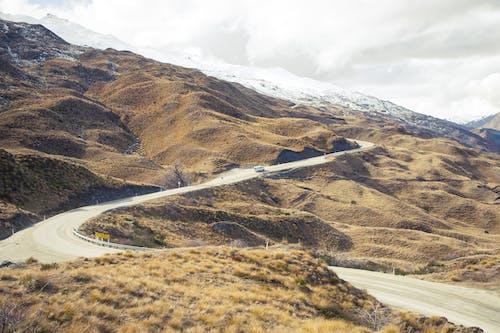 Imagine de stoc gratuită din atmosferă sumbră, autobuz, drum, munte