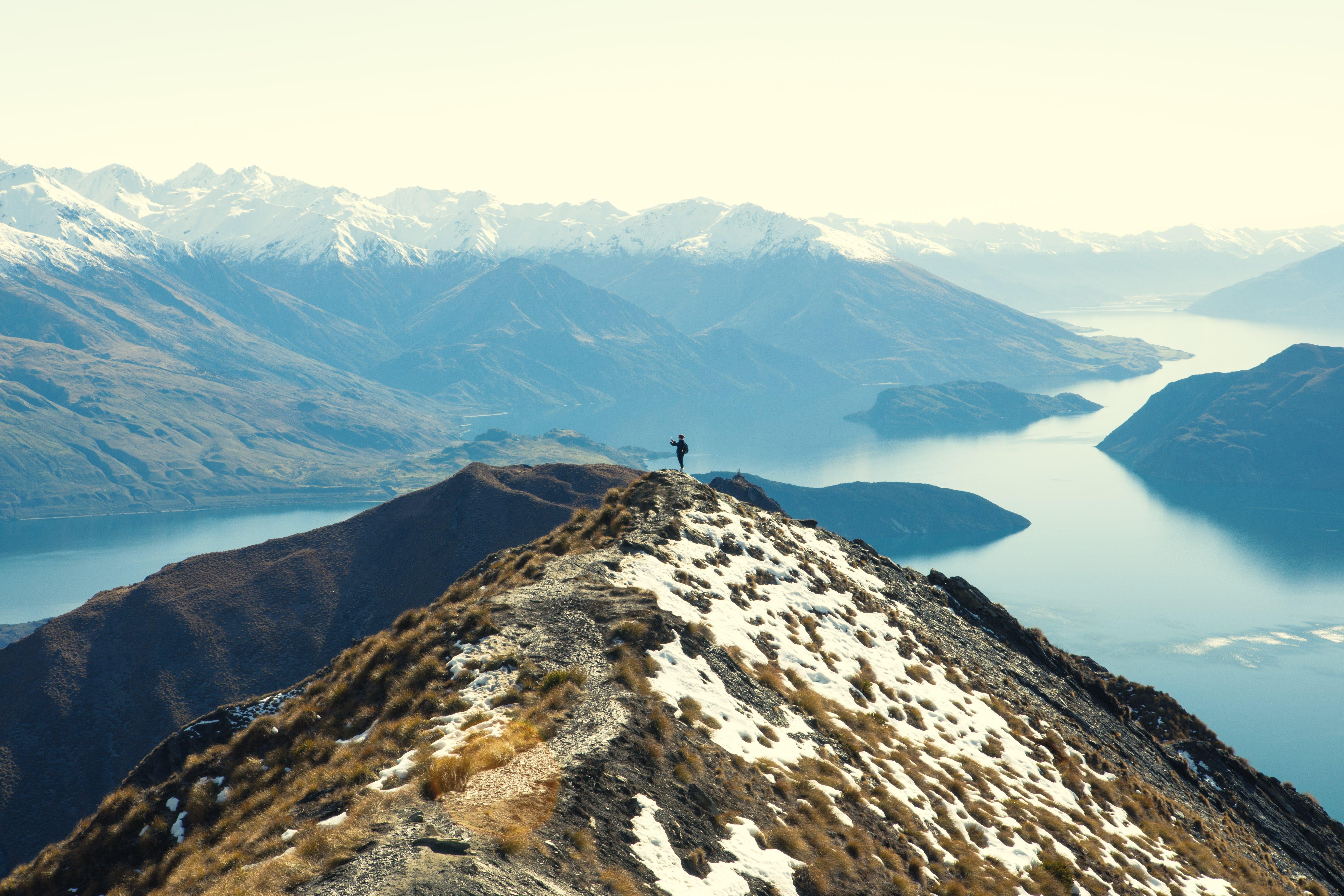Kostnadsfri bild av äventyr, bergen, bergstopp, dal