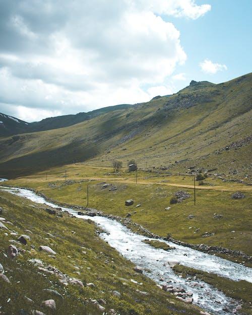 Immagine gratuita di ambiente, collina, esterno, fiume