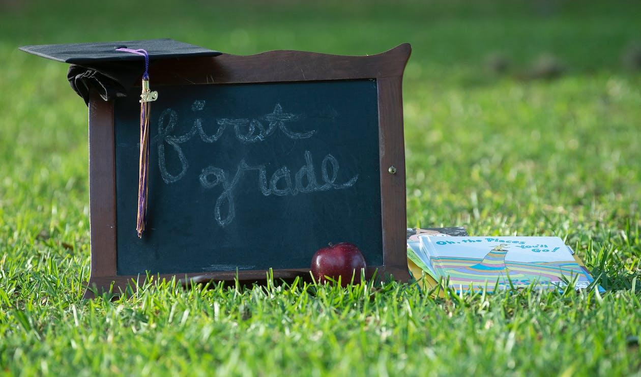 apple, меловая доска, окончание обучения