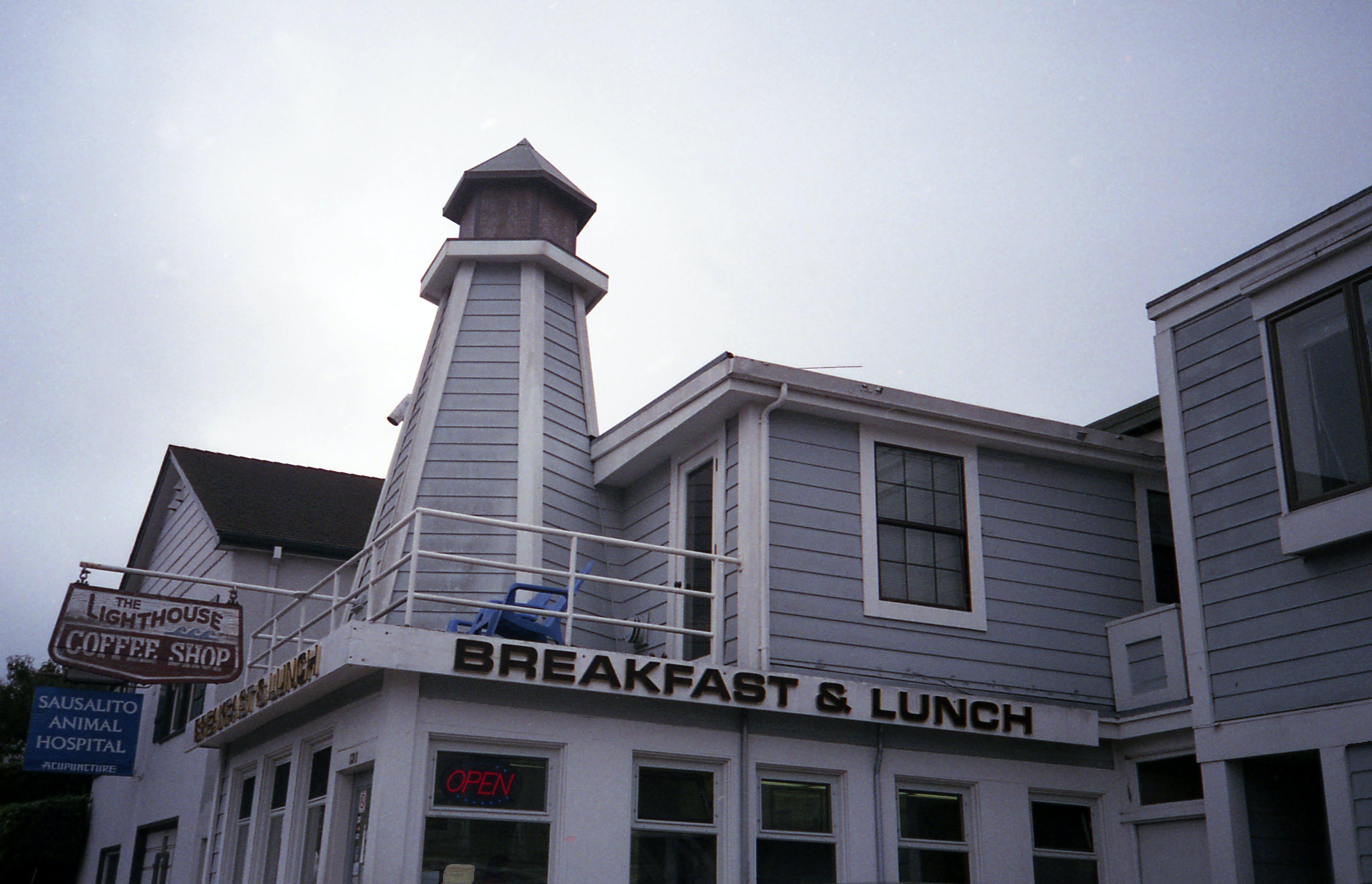 Breakfast & Lunch Restaurant