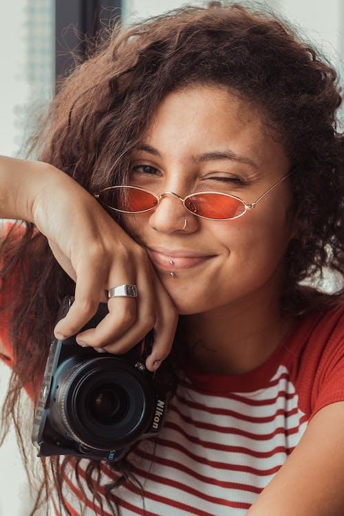 Photos gratuites de femme, photographe, portrait, sourire