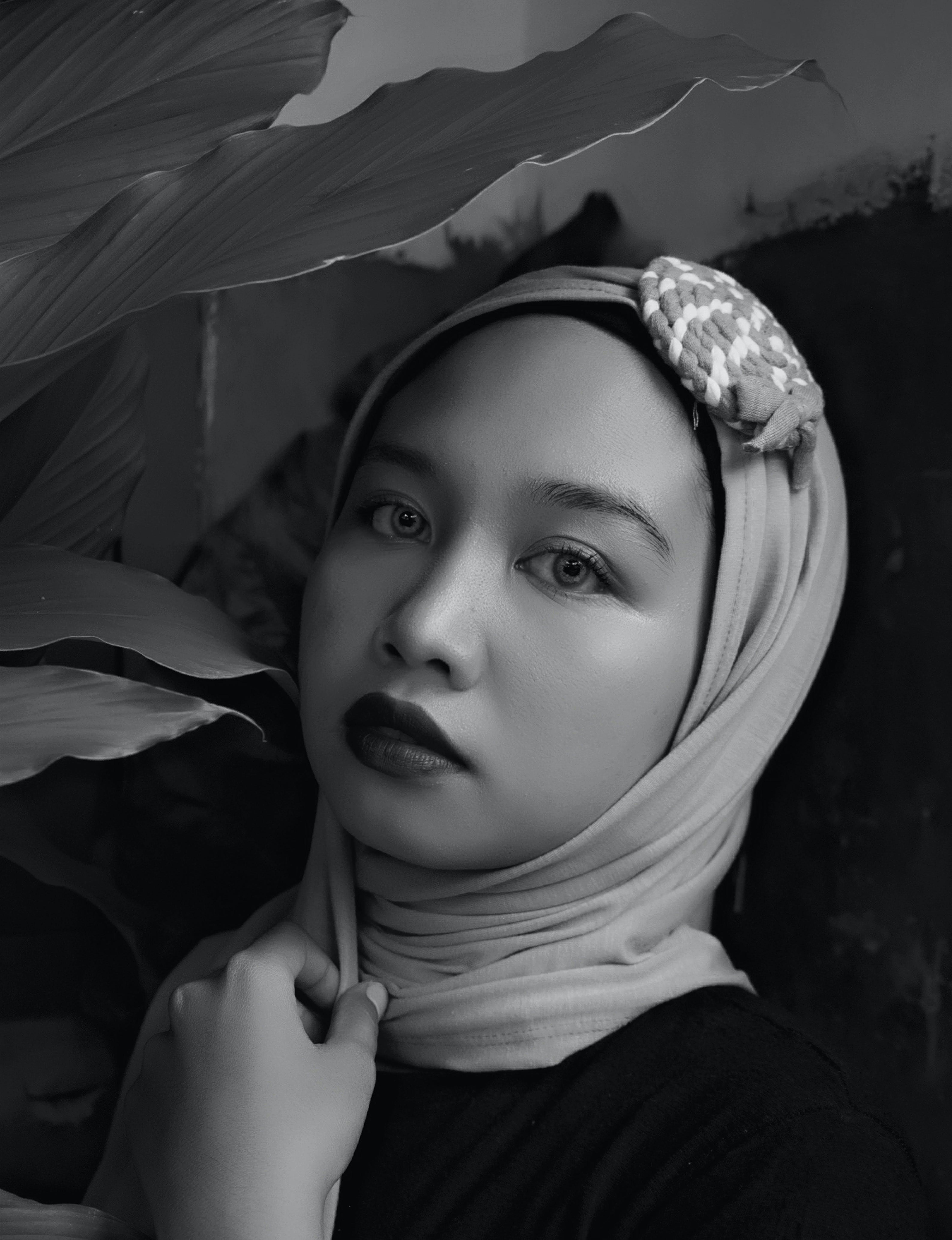 Gratis lagerfoto af ansigt, ansigtsudtryk, halstørklæde, hijab