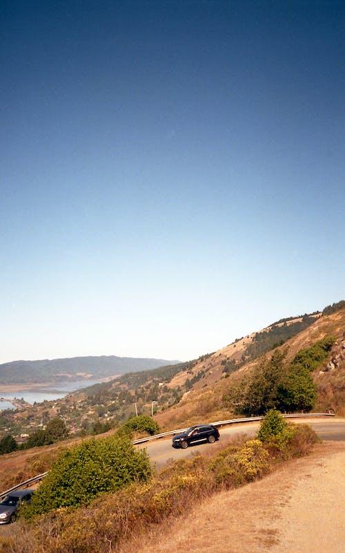 açık, açık hava, arabalar, araç kullanmak içeren Ücretsiz stok fotoğraf