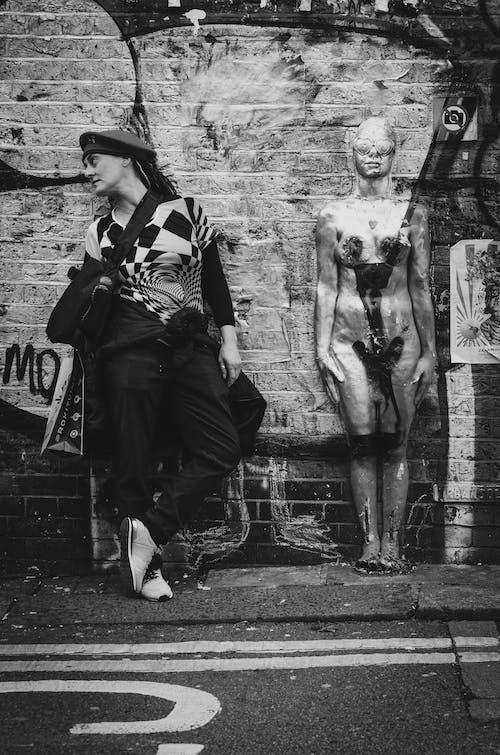 Imagine de stoc gratuită din alb-negru, artă, costum, drum