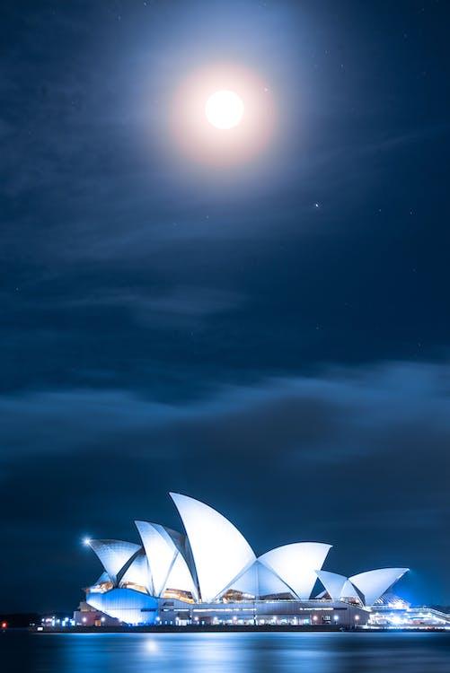 ay, Ay ışığı, deniz kenarı