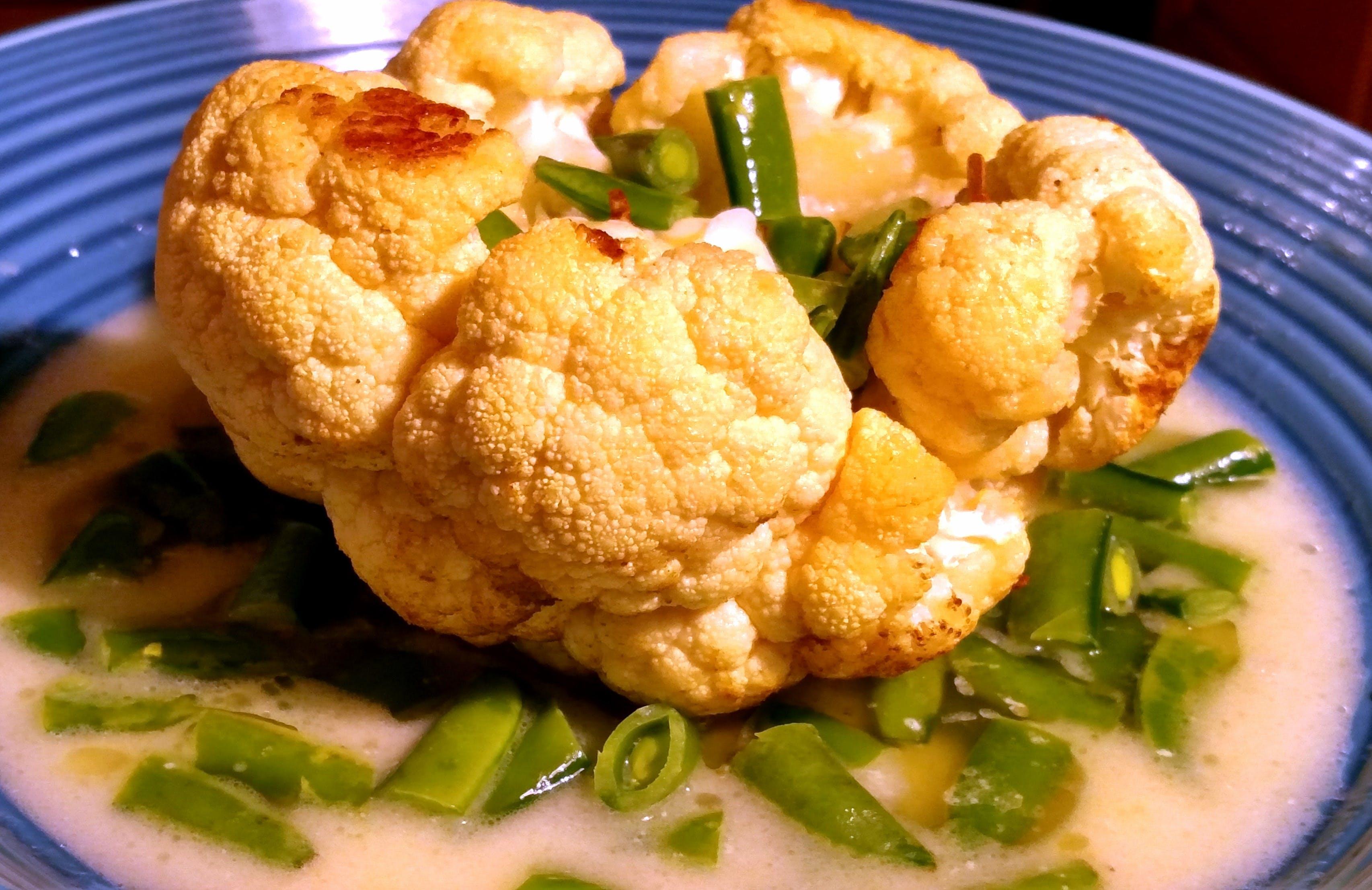 Free stock photo of cauliflower, snap peas