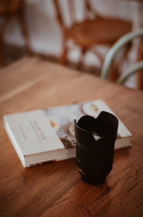 Kostnadsfri bild av bok, bord, design, färger