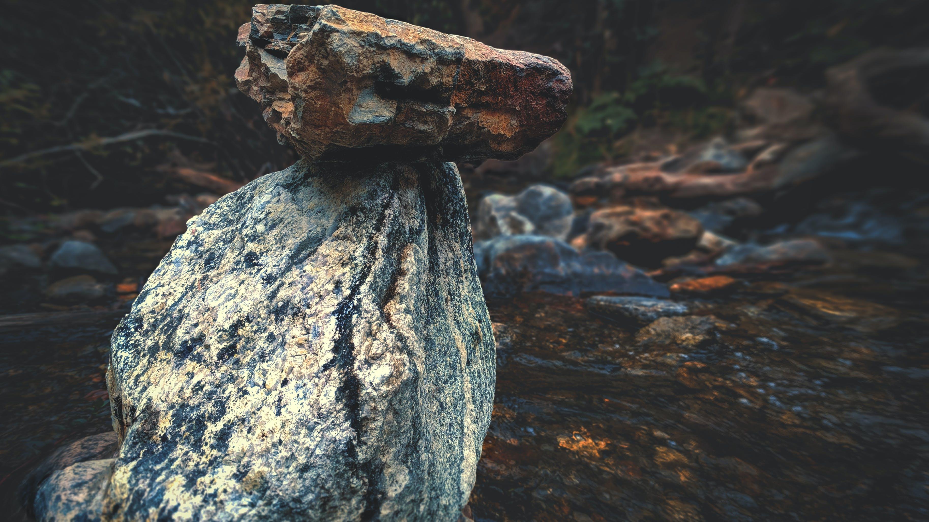 Foto d'estoc gratuïta de aigua, riu, roques