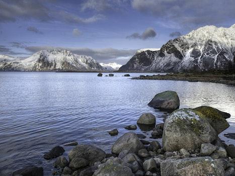 Kostenloses Stock Foto zu schnee, landschaft, wasser, felsen