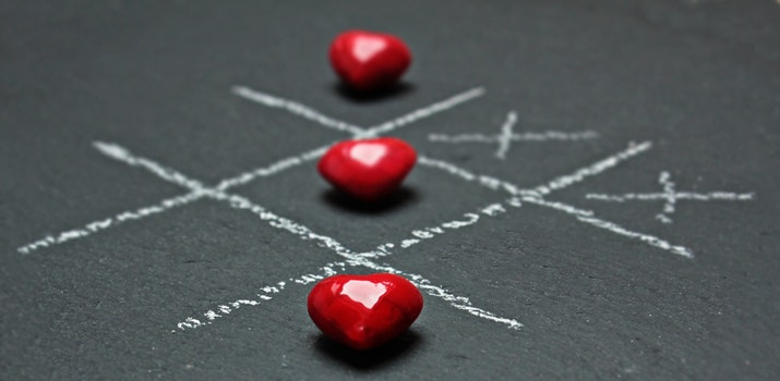 Red Heart Shaped Beads Tic Tac Toe Buttons