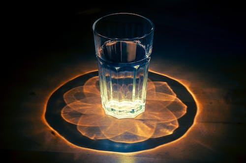 Ilmainen kuvapankkikuva tunnisteilla juoma, juomavesi, pöytä, vesi