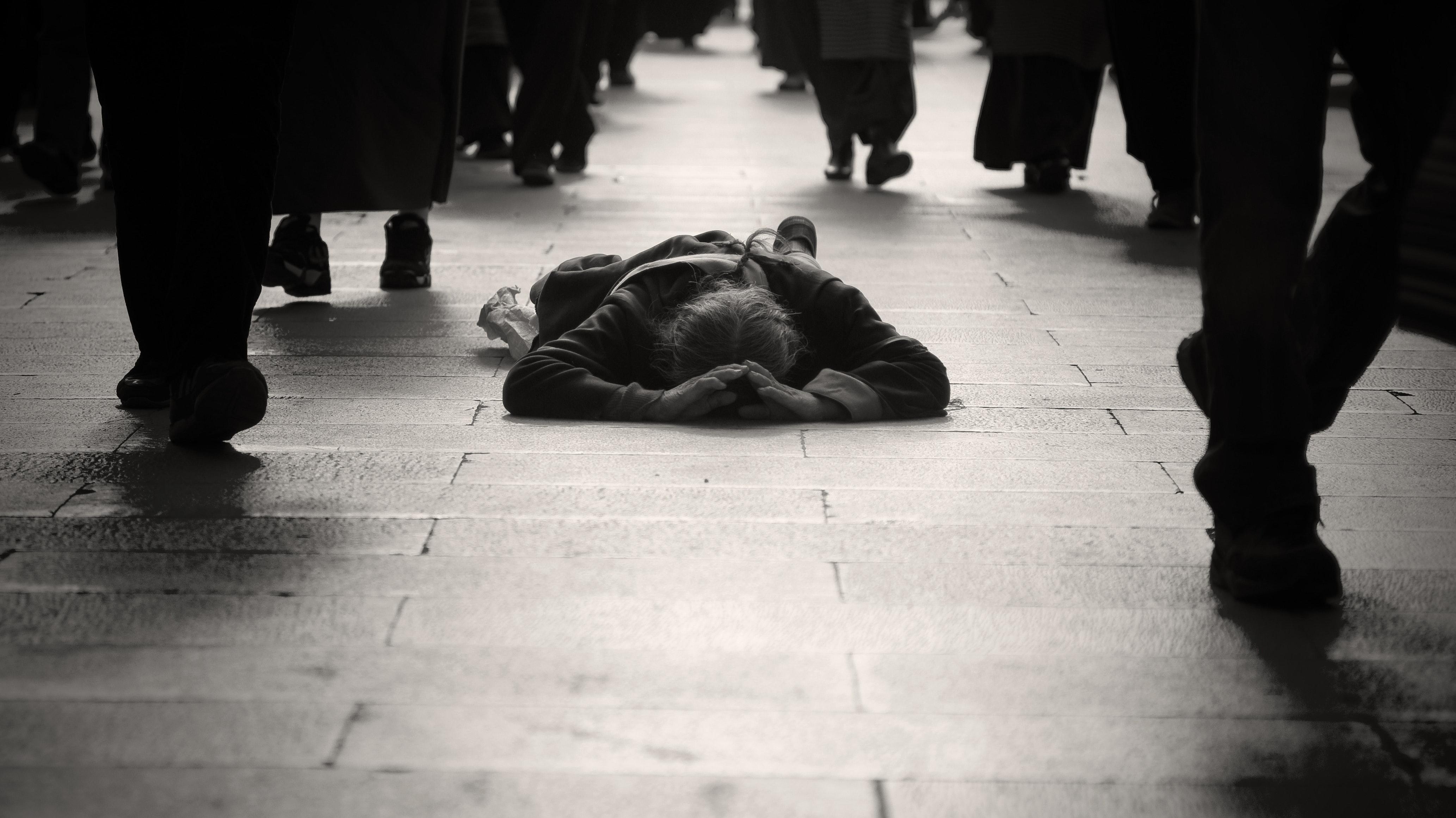 Fotografia Stock Libera da Diritti Adulti, mendicante, in bianco e nero-8315