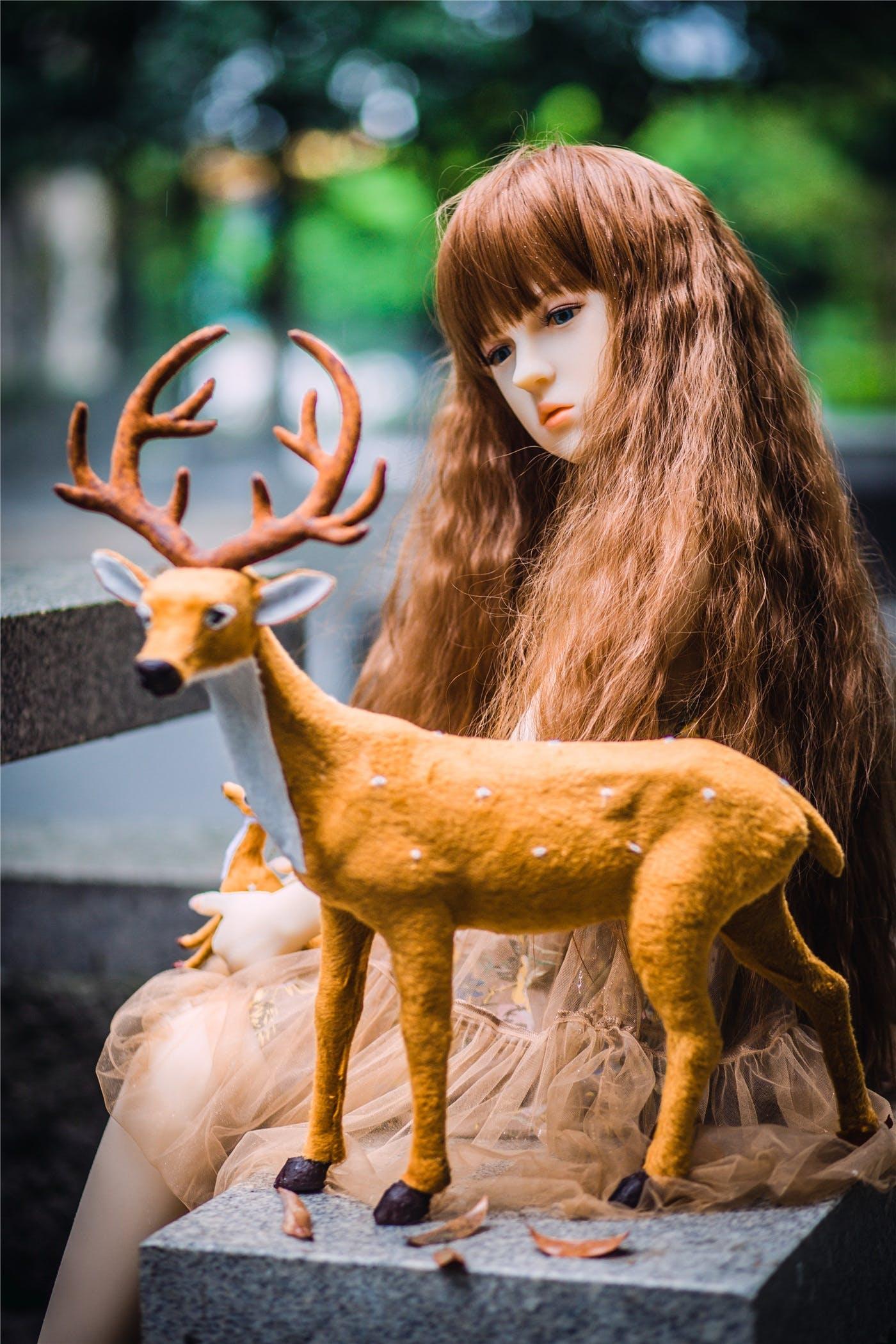Free stock photo of girl, rubber, Asian, deer
