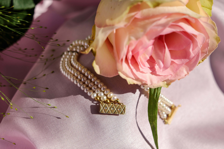 Immagine gratuita di bocciolo, braccialetto, braccialetto di perle, celebrazione