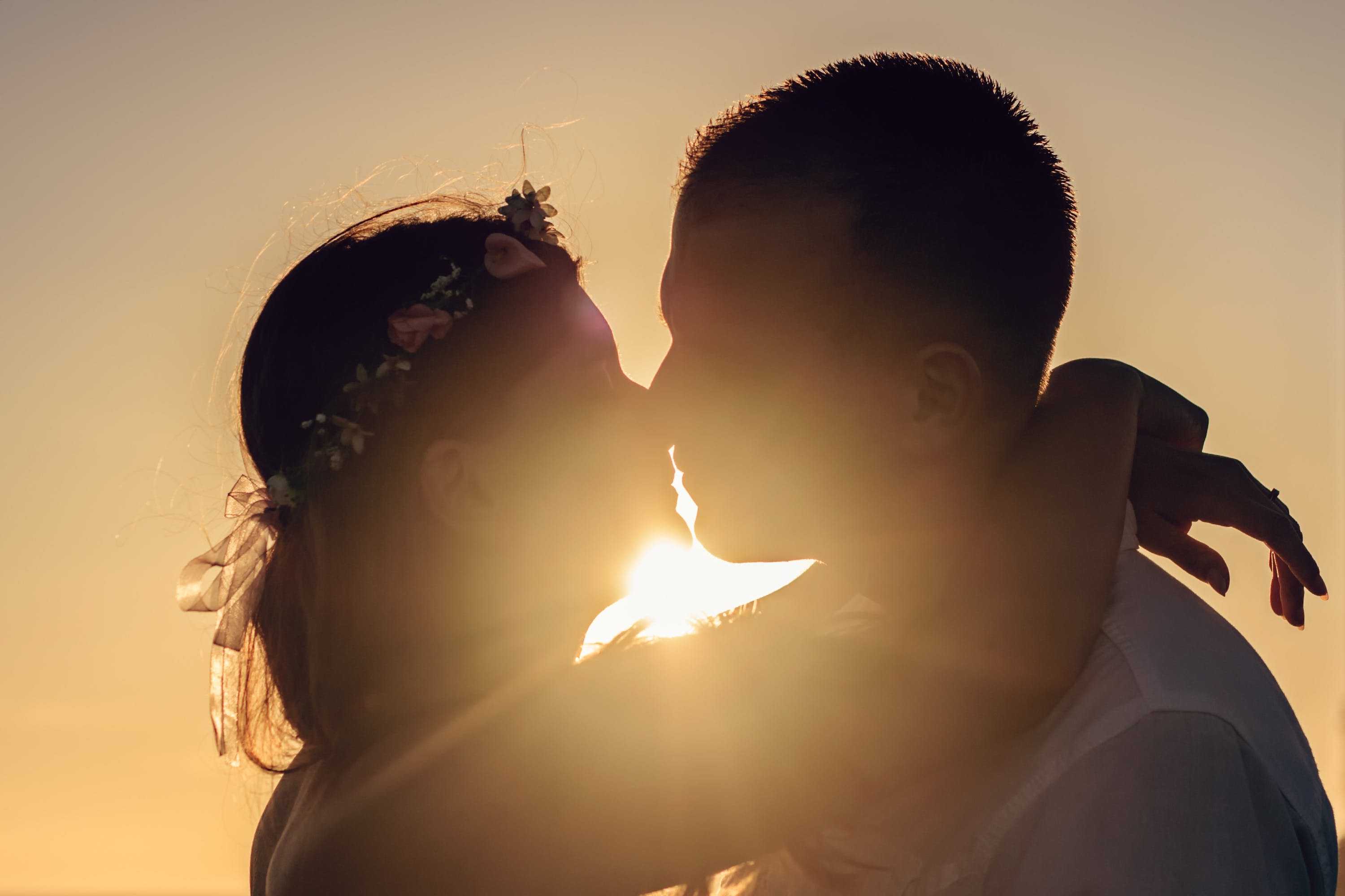 Free stock photo of love, summer, silhouette, kiss
