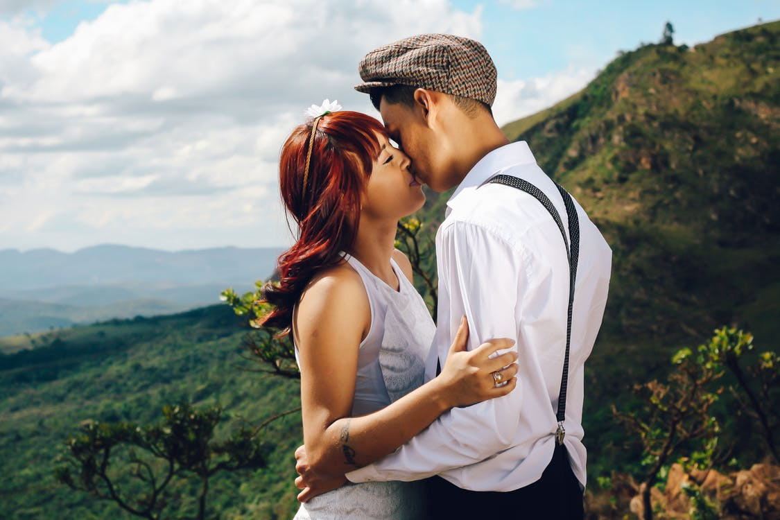 Бесплатное стоковое фото с близость, влюбленный, женщина