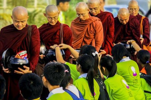 Foto profissional grátis de Asiático, budismo, budista, desgaste