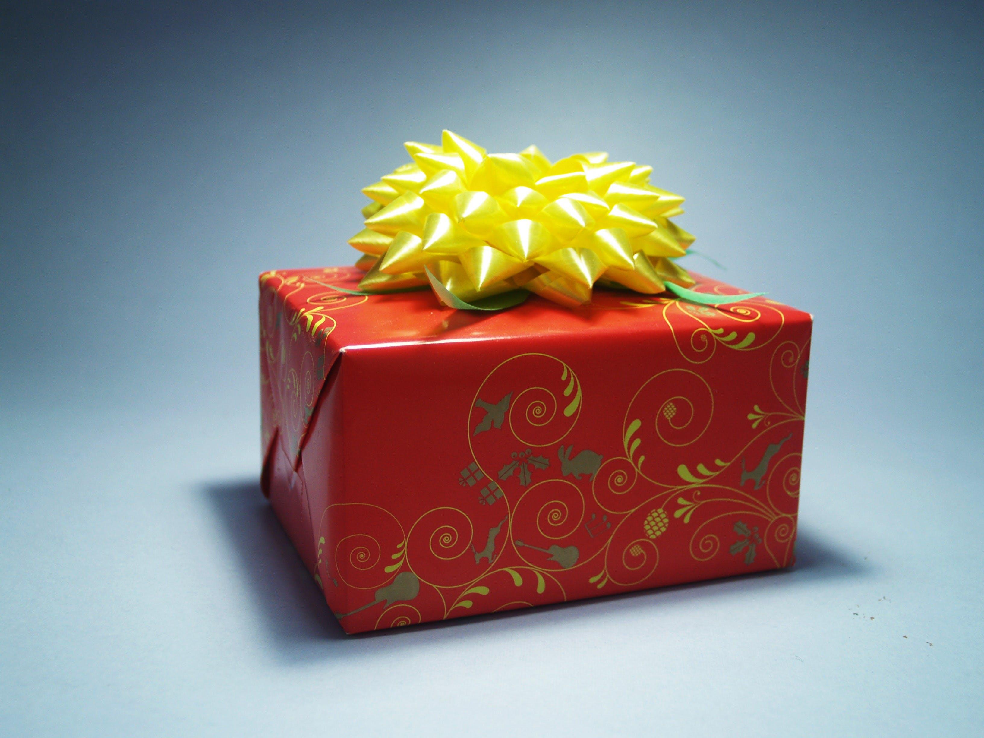 Kostenloses Stock Foto zu geschenk, feier, box, geburtstag