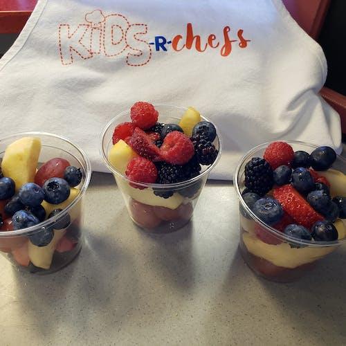 çalı meyveleri, çocuk şefler, dengeli beslenmek, meyve içeren Ücretsiz stok fotoğraf