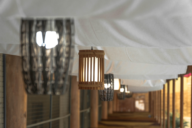 Kostenloses Stock Foto zu aufhängen, braun, glühbirne, hängeleuchten