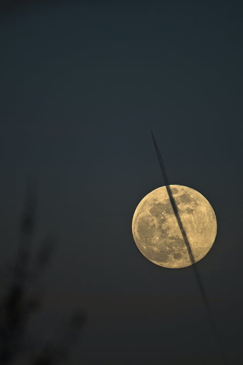 Free stock photo of contrails, full moon, moon
