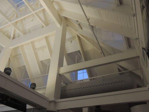 Foto profissional grátis de abobadado, céu, janelas de vidro, luz do céu
