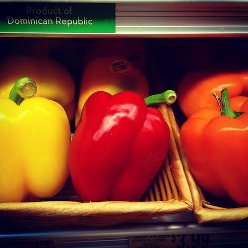 Foto profissional grátis de alimento, feira, legumes, pimenta