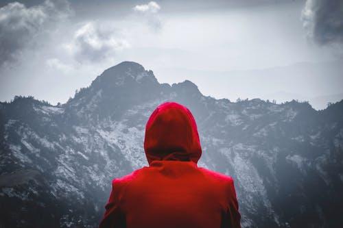 Ảnh lưu trữ miễn phí về áo hoodie, cảnh quan đẹp, có tuyết rơi, lượt xem