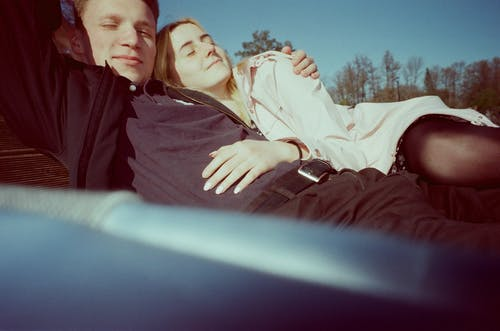 Foto profissional grátis de adulto, amor, apaixonado, casal