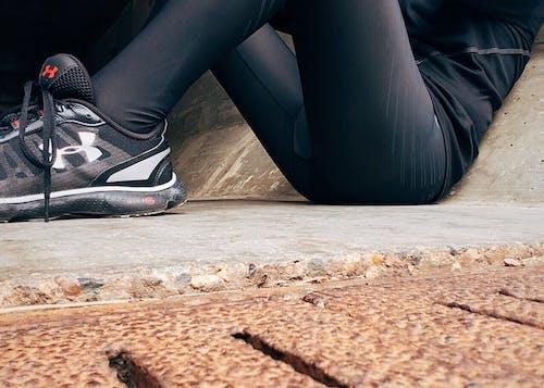 Fotos de stock gratuitas de adulto, atleta, calle, calzado