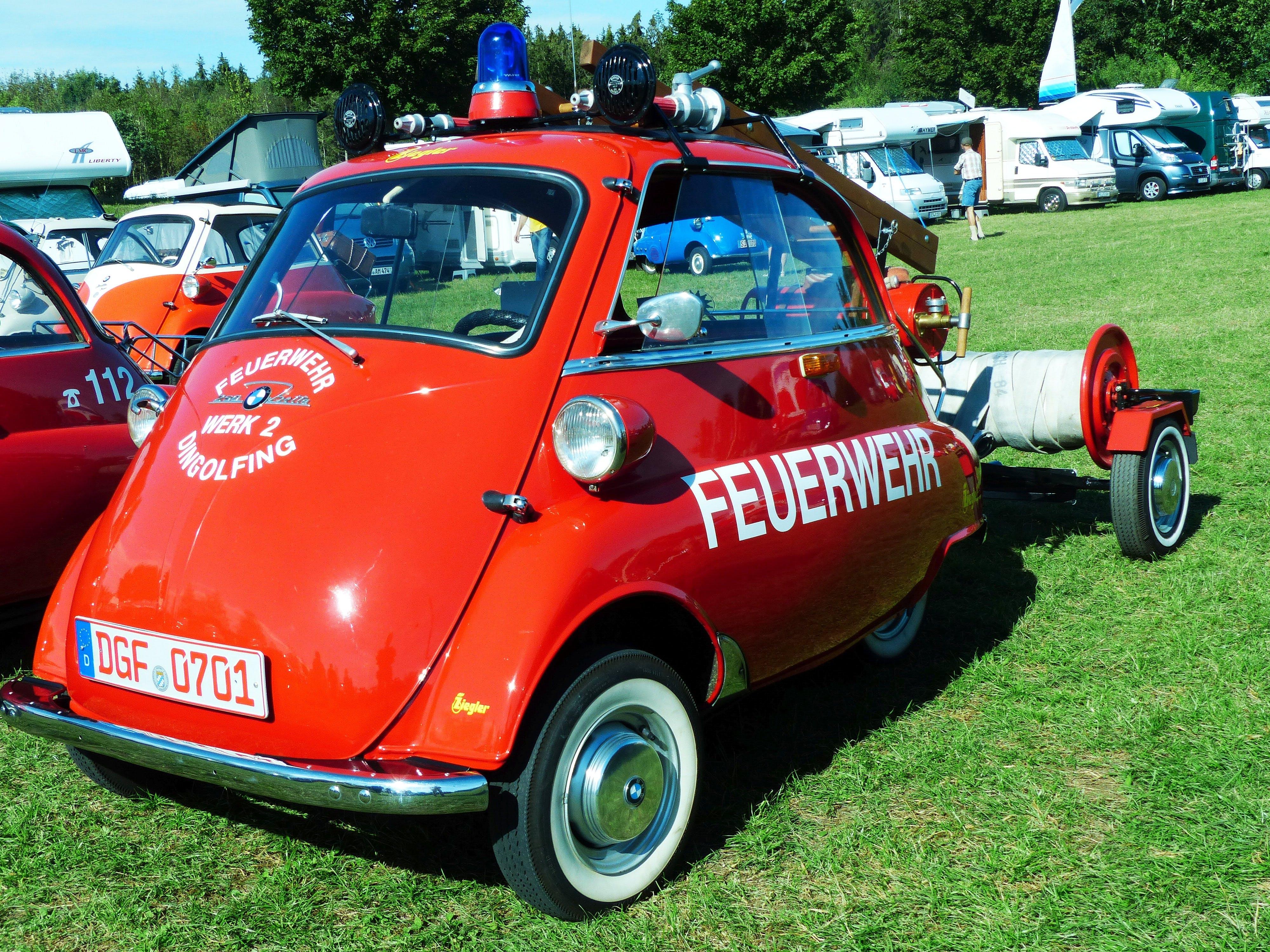 Red Feuewehr Car