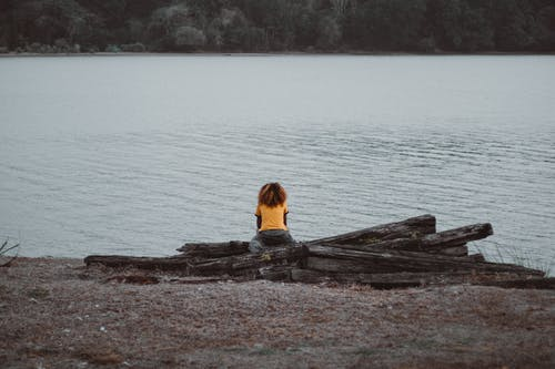 Foto profissional grátis de beira-mar, costa, enseada, lago
