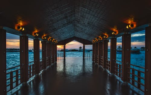 Fotos de stock gratuitas de agua, amanecer, arquitectura, bahía