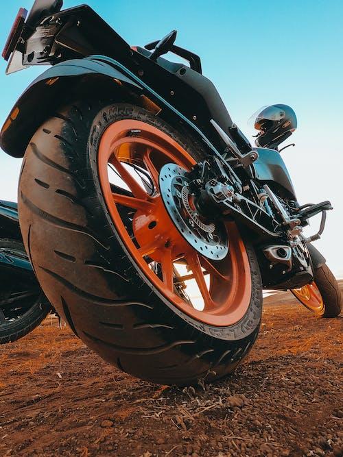 Imagine de stoc gratuită din bicicletă, motociclist