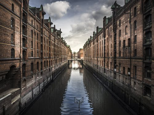 Body Water Across Buildings