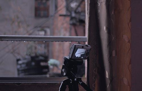 Безкоштовне стокове фото на тему «відеоролик, вродлива, дощ, камера»