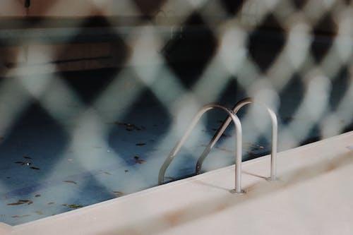 Ingyenes stockfotó ásott medence, biliárd, kerítés, úszómedence témában