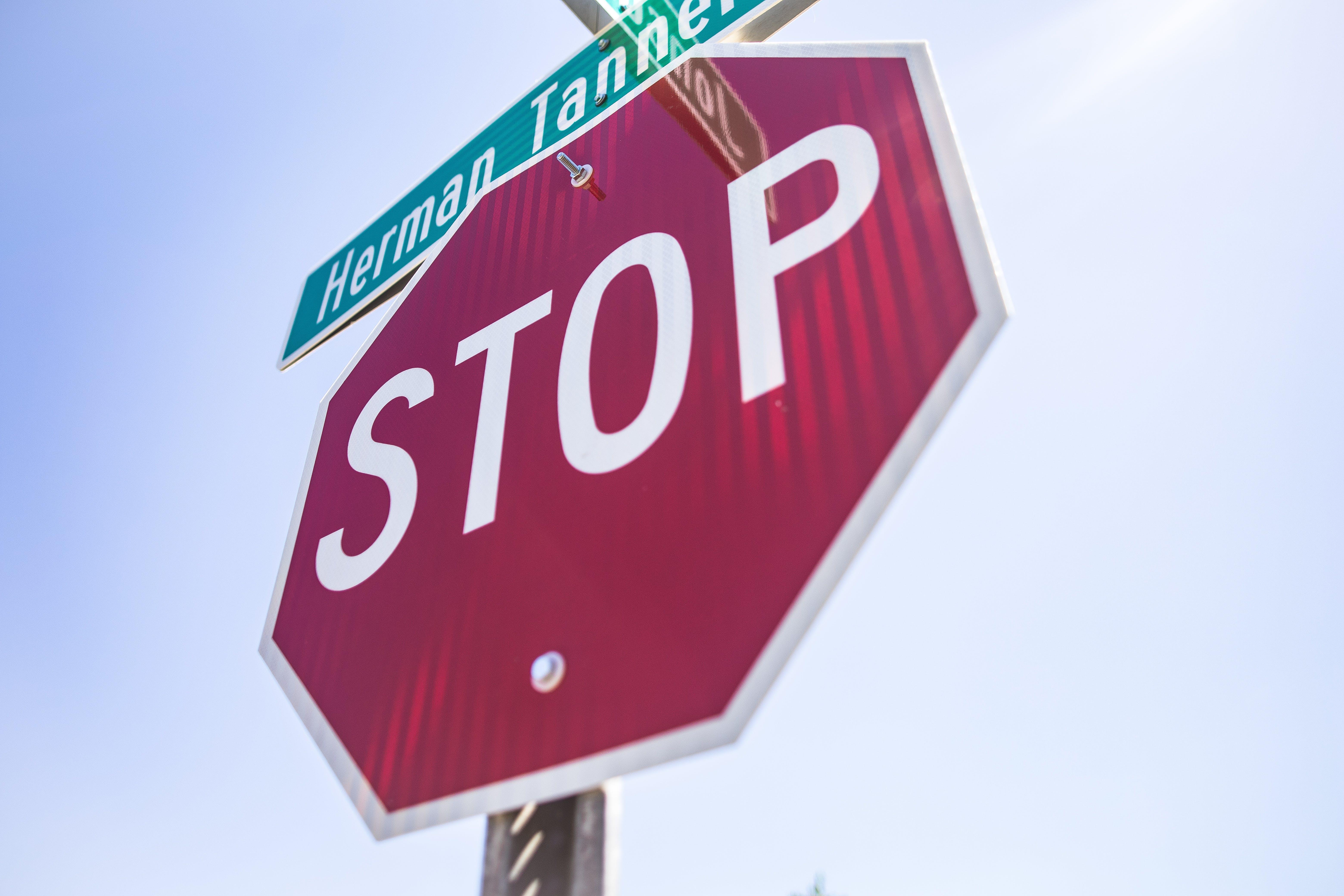 Foto d'estoc gratuïta de advertència, aturar, carrer, encreuament