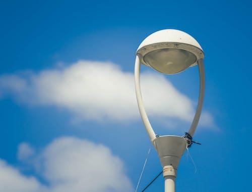 가로등, 구름, 램프, 맑은 하늘의 무료 스톡 사진