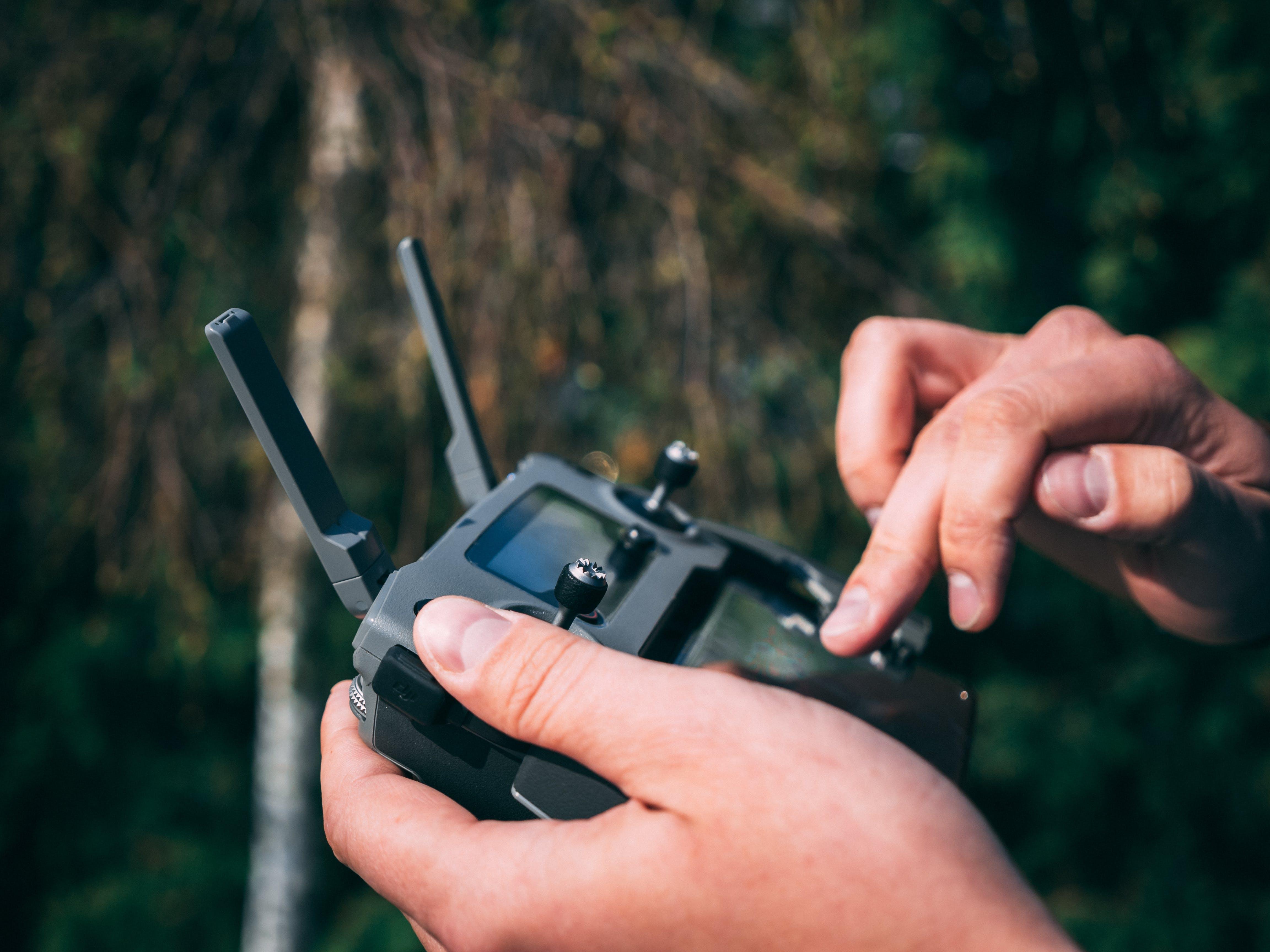 Photos gratuites de action, associer, caméra drone, connecter