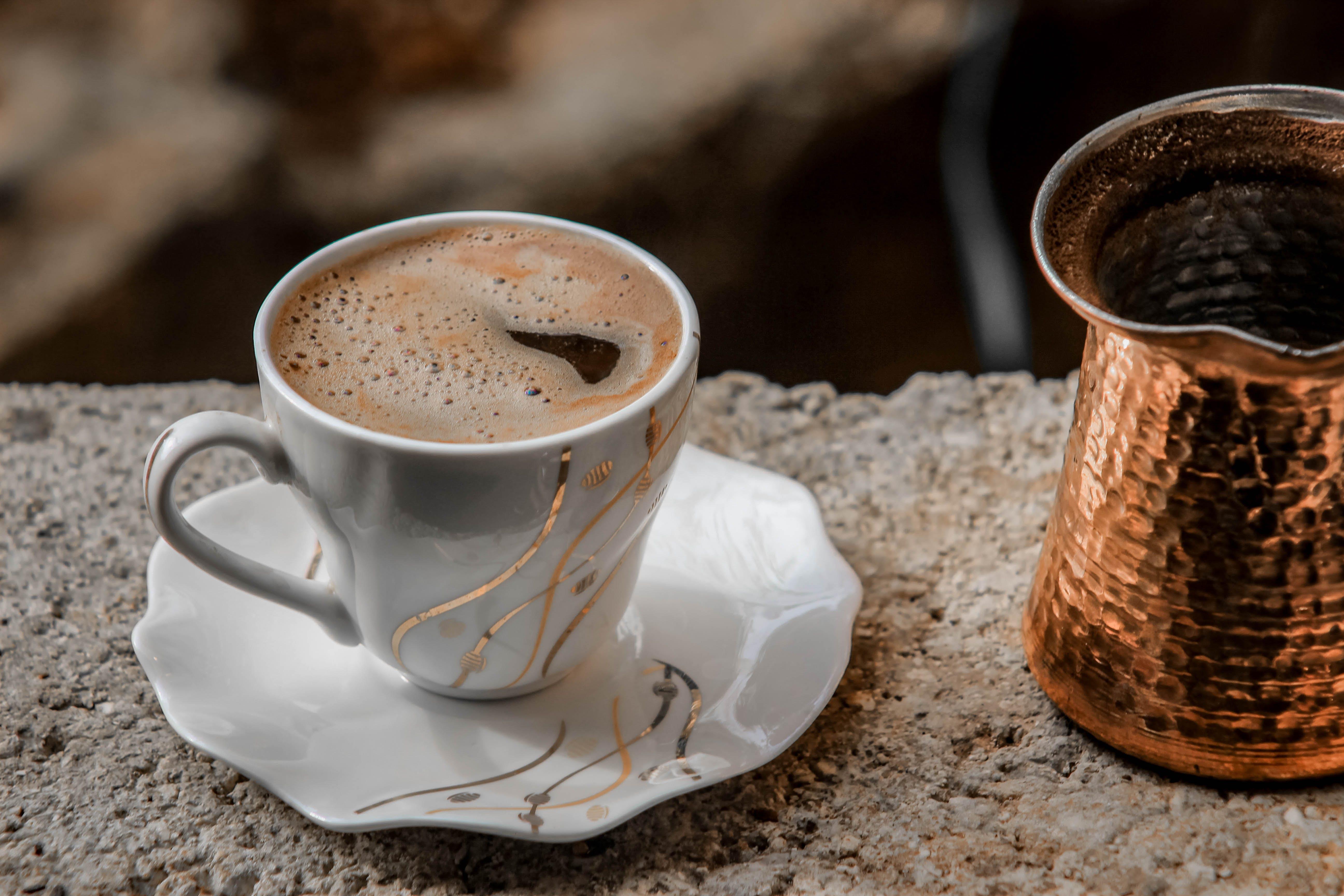 Kostenloses Stock Foto zu espresso, heisses getränk, kaffee, kaffee trinken