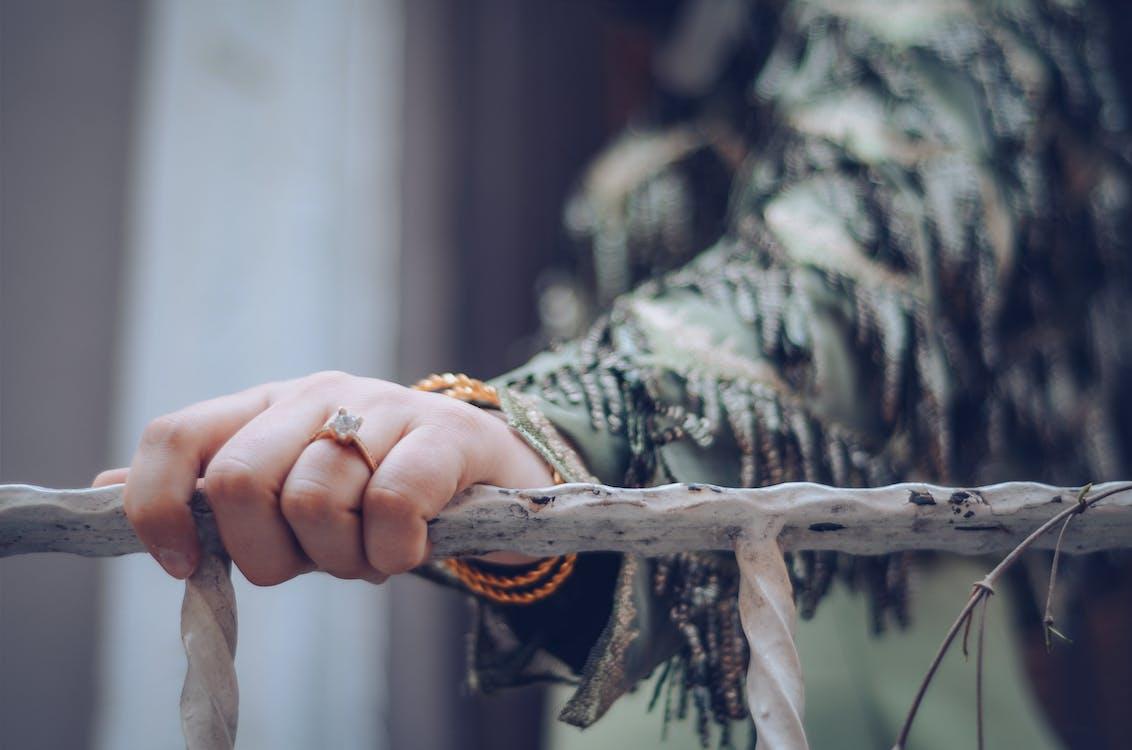 gyűrű, kéz, korlát