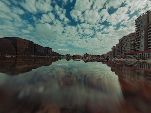 Δωρεάν στοκ φωτογραφιών με moodydark, αντανάκλαση, έκθεση, νερό