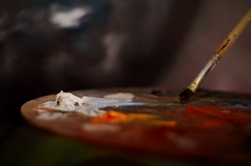 Gratis arkivbilde med dybdeskarphet, maling, malingspensel