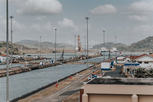 Бесплатное стоковое фото с архитектура, берег, вода, гавань